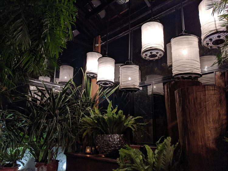 ジャカルタの飲食店の内装